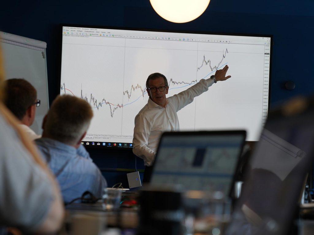 tradersclub24 webinar section image Trading lernen im größten Tradingclub Deutschlands. Praxisnah und transparent